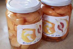 Compot de gutui, fara pic de conservant! Romanian Food, Romanian Recipes, Celery, Pickles, Cucumber, Healthy Recipes, Healthy Food, Traditional, Canning