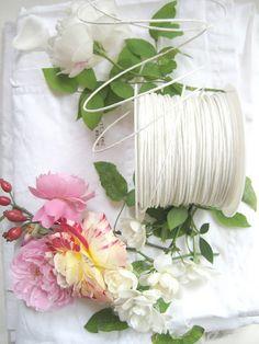 Euro/meter 5 m paper Wire tourbillon 2 mm wire white bright white 11 Paperwire wire type DIY crafts paper art floristry Paper Art, Paper Crafts, Diy Crafts, Tourbillon, Collage, Door Wreaths, Handicraft, Tea Lights, Glass Vase