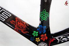 Turtles.. lots of them! Custom painted carbon triathlon bike.