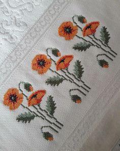 Cross Stitch Charts, Cross Stitch Designs, Cross Stitch Patterns, Diy Crafts Hacks, Diy Arts And Crafts, Embroidery Motifs, Cross Stitch Flowers, Filet Crochet, Baby Knitting Patterns