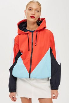 Colour block the bold and fun way with this brightly coloured windbreaker jacket. Womens Windbreaker, Windbreaker Jacket, Fashion Wear, Sport Fashion, Sport Outfits, Casual Outfits, University Outfit, Jacket Images, Sporty Chic