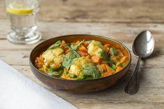De kabeljauwfilet, gevangen in de Noordoostelijke Atlantische Oceaan, is de basis van dit gerecht. Door het toevoegen van de Italiaanse kookroom krijgt deze visstoof een romige smaak.