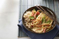 Vous adorez les plats thaïlandais? Pourquoi ne pas en cuisiner à la maison! Cette poêlée inspirée d'un classique de la restauration est facile à préparer en 3 étapes simples.