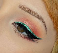 Teal wing
