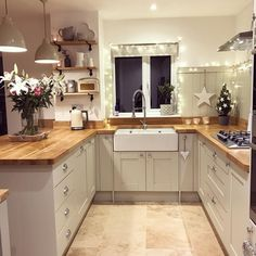 Small Kitchen Remodel Ideas to Make the Most of Your Space - Easy DIY Guide Living Room Kitchen, Home Decor Kitchen, Rustic Kitchen, Interior Design Kitchen, Country Kitchen, New Kitchen, Kitchen Ideas, Cosy Kitchen, Dining Room