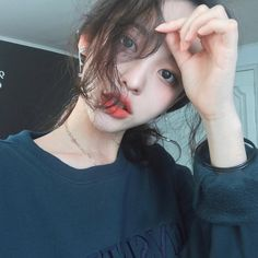 Image about girl in asian cuteness by hybris on We Heart It Korean Face, Korean Girl, Asian Girl, Uzzlang Girl, Ulzzang Fashion, Korean Fashion, Korean Beauty, Asian Beauty, Korean People