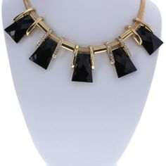 HWS Selected Gold Classic Statement Necklace | Housewife Store | HWS Selected | The Best Price | Clothing | Jewelry | Accessories