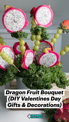 Edible Crafts, Food Crafts, Diy Food, Strawberry Fruit, New Fruit, Pink Dragon Fruit, Small Cabbage, Edible Bouquets, Fruit Recipes