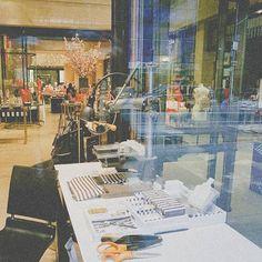 #workroom #work #newyork #nyc #store #newyorkshop #sewingmachine #window #amont