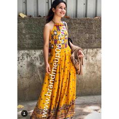 Rs Stylish Yellow Printed Rayon Women's Kurti Size : S (Bust – inches) M (Bust – – Art Western Dresses, Indian Dresses, Indian Outfits, Indian Clothes, Kurta Designs, Blouse Designs, Indian Attire, Indian Wear, Indian Designer Outfits