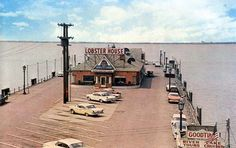 WHAT??  we used to have a lobster shack on the lake? Is this right? : Captain Frank's Seafood Restaurant - East 9th Street Pier - Cleveland OH