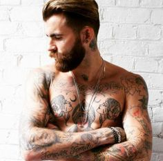 Hot Shirtless Men : theBERRY