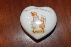 Vintage Holly Hobbie Heart Shaped Ceramic Trinket Box Friendship Valentines Day 1970s Hippie by poetsy http://etsy.me/1JmEhrD via @Etsy