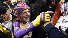 French cyclist Robert Marchand sets new record aged 105 - BBC News