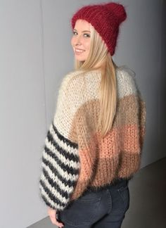 Short Mohair Sweater – Brown – Fait D'hiver - Pulli Sitricken Knitting Projects, Knitting Patterns, Sewing Patterns, Crochet Patterns, Poncho Pullover, Jumper, Mohair Sweater, Knit Fashion, Fashion Fashion