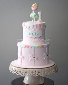 Creative Birthday Cake Ideas for Girls Karussell Birthday Treats (Visited 16 times, 1 visits today) 1st Birthday Cake For Girls, Creative Birthday Cakes, Baby Birthday Cakes, 1st Birthday Cakes, Birthday Treats, Baby Girl Cakes, Girl Cupcakes, Carousel Cake, Big Cakes