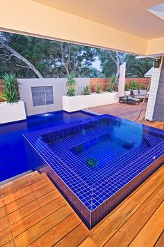 Aloha Pools Pty Ltd custom constructed this formal pool in Rye, Victoria, Australia. This pool has an unusual shape comprised of three areas – the main rectangular portion, a narrow offset for swimming laps and a final section designed to frame the feature wall.