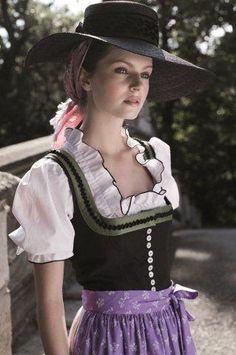 Austrian #Dirndl