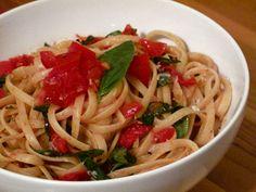Seize the Last of Tomato Season With Fresh Pomodoro Sauce