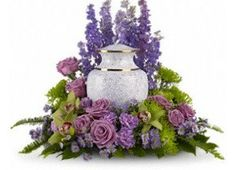 Send sympathy and funeral flowers from a real Port Hueneme, CA local florist. Floral Creations has a large selection of gorgeous floral arrangements and bouquets. We offer same-day flower deliveries for sympathy and funeral flowers. Arrangements Funéraires, Funeral Floral Arrangements, Funeral Sprays, Funeral Urns, Holland Flowers, Memorial Flowers, Remembrance Flowers, Funeral Tributes, Funeral Memorial