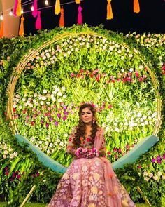 Offbeat Mehendi Outfits Spotted On Real Brides Wedding Photo Props, Wedding Photos, Mehndi Outfit, Cape Dress, Mehendi, Image Photography, Looking Gorgeous, Color Combinations, Aurora Sleeping Beauty