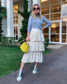 Work Looks, Looks Style, Girl Fashion, Fashion Outfits, Womens Fashion, Lace Skirt, Midi Skirt, Tumblr Outfits, Ootd