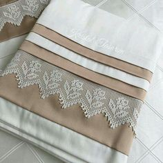 A great service for vi Crochet Borders, Filet Crochet, Crochet Doilies, Crochet Stitches, Crochet Projects, Sewing Projects, Tips And Tricks, Bobble Stitch, Crochet Videos