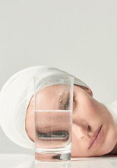 Gisele Bündchen by Zee Nunes for Vogue Brazil May 2015 A Level Photography, Mirror Photography, Photography Projects, Creative Photography, Portrait Photography, Fashion Photography, The Shape Of Water, Photoshop, Vogue Brazil