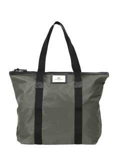 Day Birger et Mikkelsen gweneth bag. Perfect for the summer season, this bag is super lightweight and roomy!