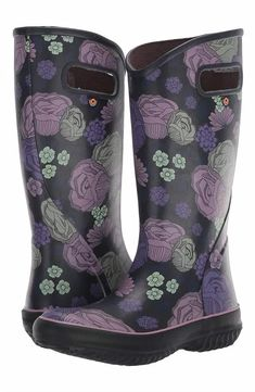 Extra Wide Calf Purple Rain Boots For Women. Love these purple floral print extra wide calf rain boots for women needing a little extra room in the calf. Purple Rain Boots, Short Rain Boots, Hunter Boots Outfit, Hunter Rain Boots, Cowgirl Boots, Western Boots, Riding Boots, Fashionable Snow Boots, Square Toe Boots
