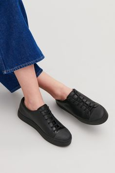 Side image of Cos rubber-detailed leather sneakers in black Casual Sneakers, Leather Sneakers, All Black Sneakers, Hipster Boots, Swedish Fashion, Winter Fashion Casual, Clearance Shoes, Comfy Shoes, Shoe Collection