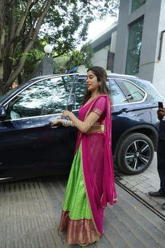 Jhanvi Kapoor Half Saree Pics On Diwali Photos Half Saree Designs, Lehenga Designs, Kurta Designs, Half Saree Lehenga, Saree Look, Sarees, Indian Wedding Outfits, Indian Outfits, Sleeves Designs For Dresses