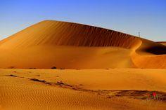 Big Red Sand Dunes, Dubai-Hatta Road, UAE.