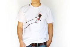 Tシャツにもうひとつの手が生えて、スマホを持ってくれる? | roomie(ルーミー)