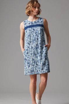 $69.99 - Crafted in a soft blend of linen and viscose this sleeveless shift dress features a vibrant blue Aztec print. With two handy side pockets and a keyhole fastening at the back the dress is finished with a flattering lace panel at the chest. Perfect for warmer days this dress will take you effortlessly from the beach to dinner.