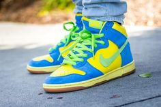 See my on foot video review of these Nike SB Dunk High Marge Simpson + where to find em