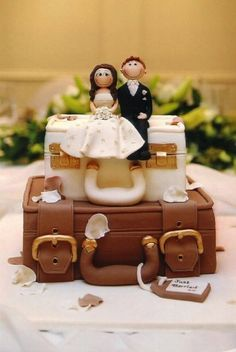 suitcase wedding cake - Google Search
