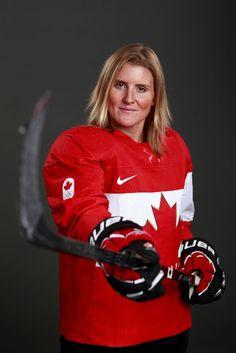 hockey player Hayley Wickensheiser, Sochi This woman is INSANELY good! Women's Hockey, Hockey Girls, Hockey Players, Hockey Memes, Hayley Wickenheiser, Canada Hockey, Canadian History, O Canada, Sports Figures