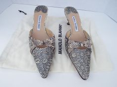 MANOLO BLAHNIK $865 Snakeskin Mule Kitten Heel Slide Pointed Shoes Size 10 US. #ManoloBlahnik #KittenHeels