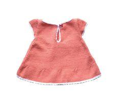 Vestido bebé verano. Vestido bebé color coral. Vestido bebé