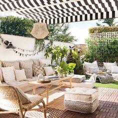 Cómo preparar tu terraza para el buen tiempo paso a paso Casa Patio, Diy Patio, Backyard Patio, Outdoor Rooms, Outdoor Living, Outdoor Furniture Sets, Outdoor Decor, Rooftop Terrace Design, Balcony Design