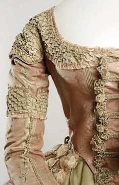 Polonaise with ruched trim (1778-80) - front detail.      MET - C.I.60.40.3a, b  Sleeve detail