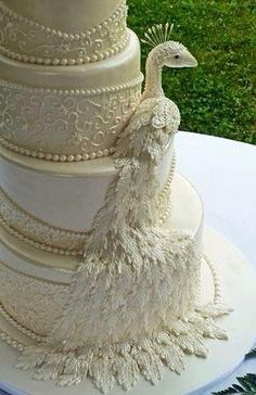 White & Gold Wedding Cakes