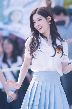 Chaeyeon Dia, South Korean Girls, Korean Girl Groups, Jung Chaeyeon, Kim Sejeong, Beautiful Asian Women, Kpop Girls, Asian Woman, Asian Beauty