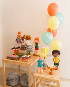 75 creative and economic ideas - Birthday FM : Home of Birtday Inspirations, Wishes, DIY, Music & Ideas Paper Rosettes, Tissue Paper Flowers, One Year Birthday, Birthday Parties, Simple Birthday Decorations, The Balloon, Baby Party, Childrens Party, Balloons