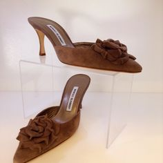 Manolo Blahnik gorgeous sand suede mule. Size 8. Please call (949) 715-0004 for all inquiries.
