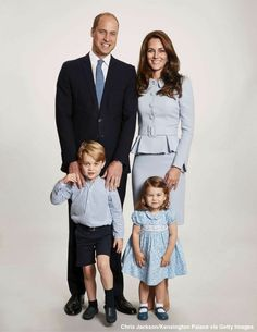 Prince William, Kate, George,  and Charlotte Christmas 2017 portrait
