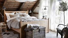 Jaki kolor sypialni? Spokojna biel, stonowana szarość, czy feeria barw? - Homebook.pl
