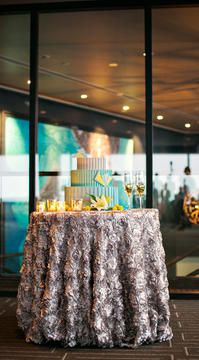 Exclusive Look at the New Columbia Tower Club with a Yellow and Teal Wedding Photoshoot Mint Wedding Cake, Wedding Mint Green, Wedding Cakes, Wedding Reception Locations, Affordable Wedding Venues, Outdoor Wedding Venues, Art Deco Wedding, Chic Wedding, Wedding Stuff
