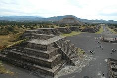Teotihuacan Pyramids by Xavier Donat, via Flickr